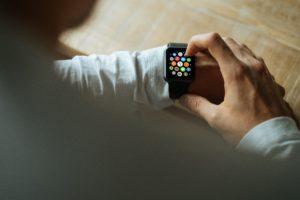 Smart watch, digital trends, consumer behavior